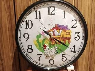 Vintage Diamond Battery Operated Wall Clock Chicken NOS