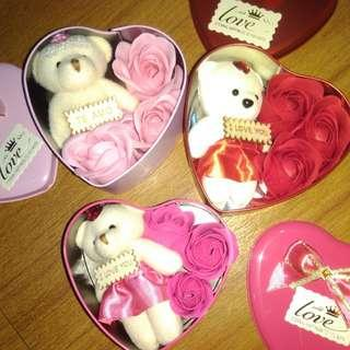 BRANDNEW 3pcs SCENTED ROSE SOAP with TEDDY BEAR