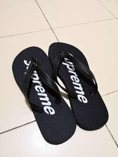 Supreme Slippers