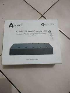 Aukey charger USB 10 port QC3.0 -PA-T8-