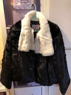 (on sale ) New 全新 GOEN J Faux fur Jacket