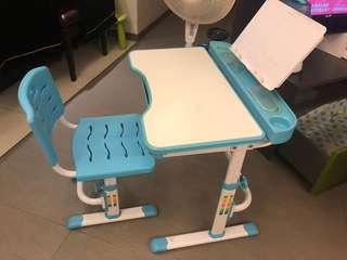 兒童書枱 children desk