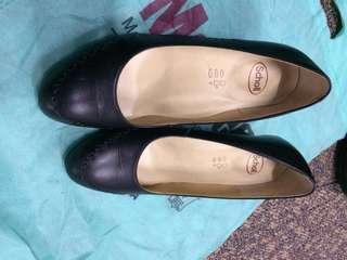 scholl heels