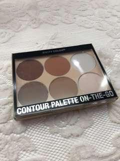 Contour Palette on-the-go