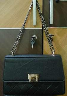 Charles and keith push lock chain