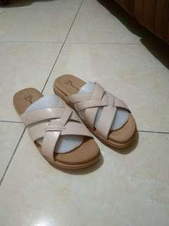 Hush puppies sandal