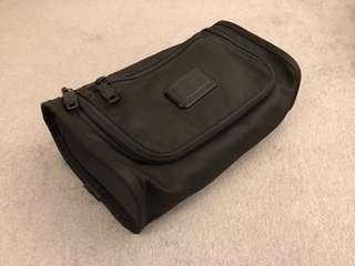 🚚 TUMI ALPHA II 旅行盥洗包