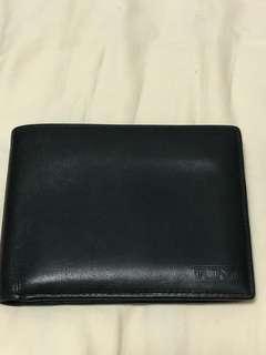 💯Authentic Tumi wallet