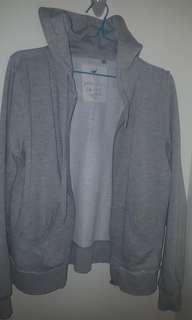 Grey hoodie (broken zip)