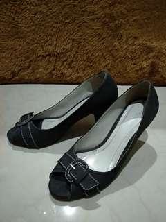(BACA Bio) Sepatu Kerja