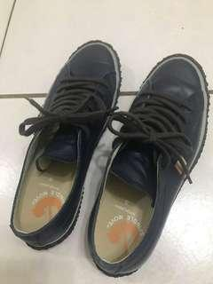 🚚 Spinglemove 九成新深藍色精品鞋