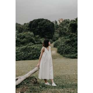 Aforarcade willow v-neck flare dress white