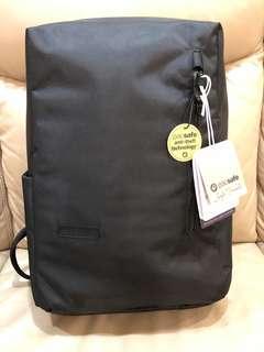 🚚 Brand new Pacsafe Instasafe laptop backpack