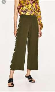 Brand new Zara pants with button detail