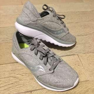Good as New - Saucony Women's Kineta Series (US9)