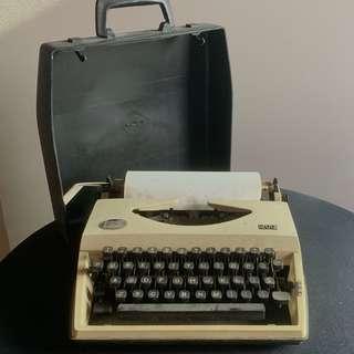 打字機 不提供墨帶 typewriter