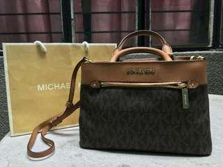 MICHEAL KORS HAILEE SATCHEL BAG