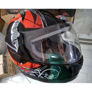 escooter, e- scooter, electric scooter,electric bicycle, motorcycle full helmet andes hongye red black