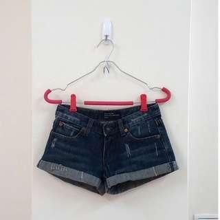 🚚 純棉刷破褲管反褶牛仔短褲