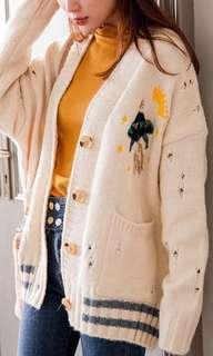 韓版V領厚實飛碟刷破刺繡針織外套