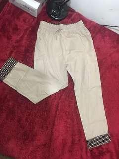 Celana (pingganya bahan karet)