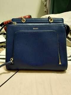 DKNY Crossbody for sell ( Genuine leather)