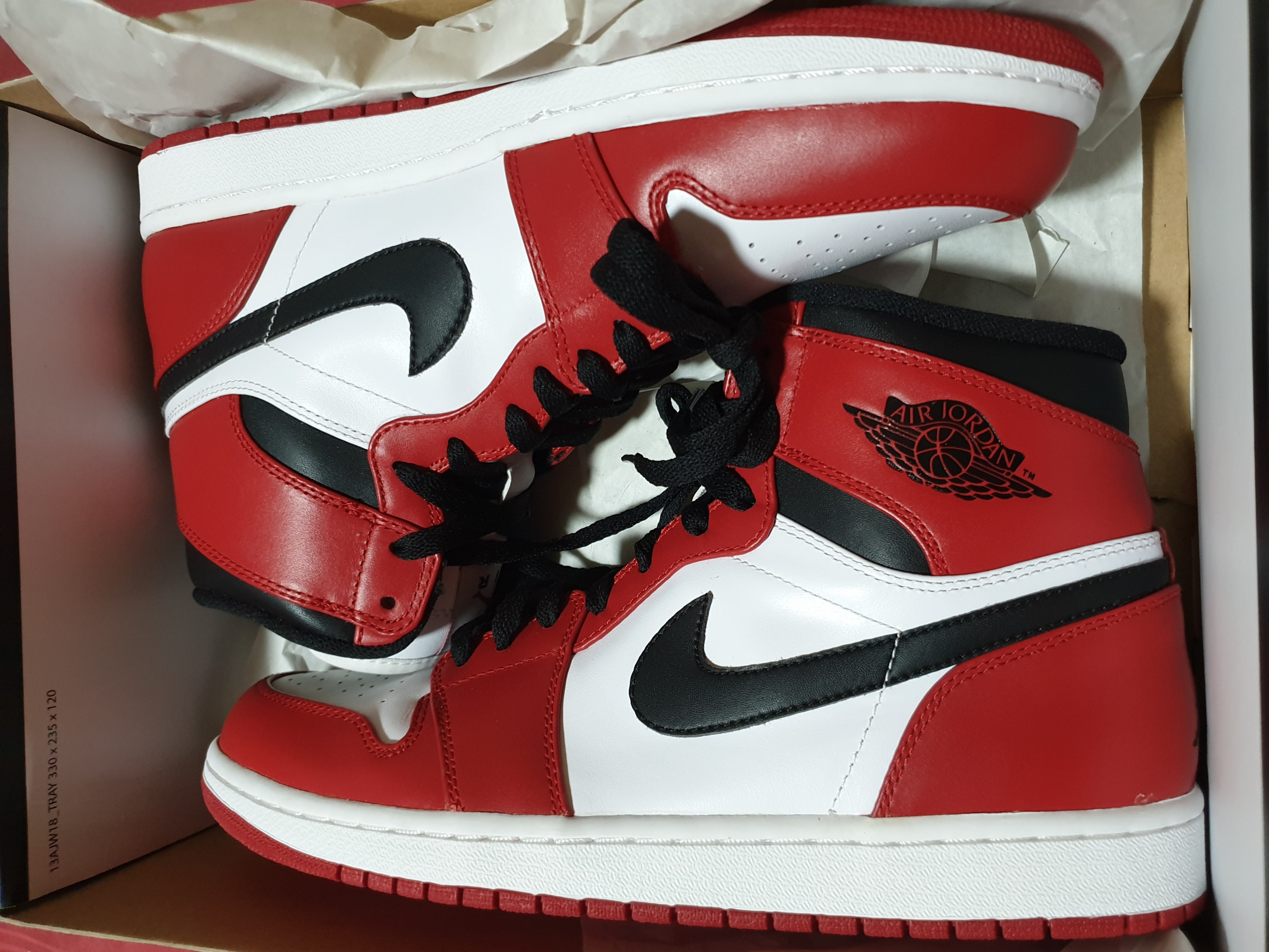 online retailer 4df1b 919a2 Air Jordan 1 AJ1  Chicago  OG GS Retro Jumpman logo 2013, Men s Fashion,  Footwear, Sneakers on Carousell