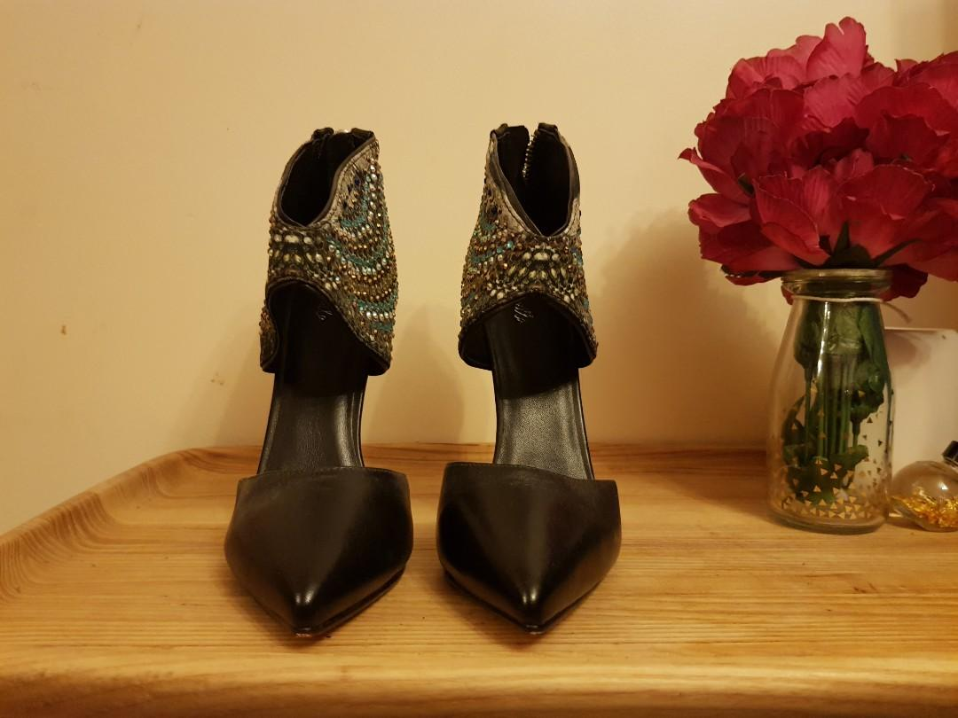 Camilla heels