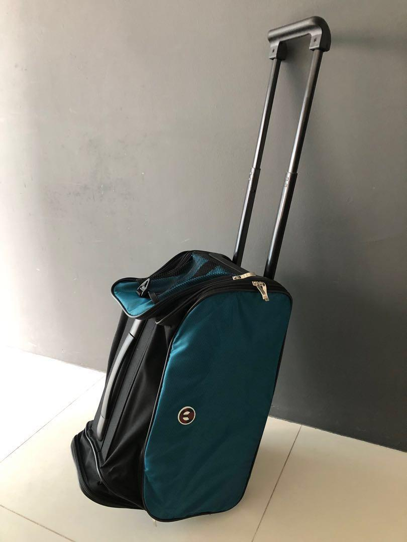 Duffle Bag on Wheels for Gym or Travel