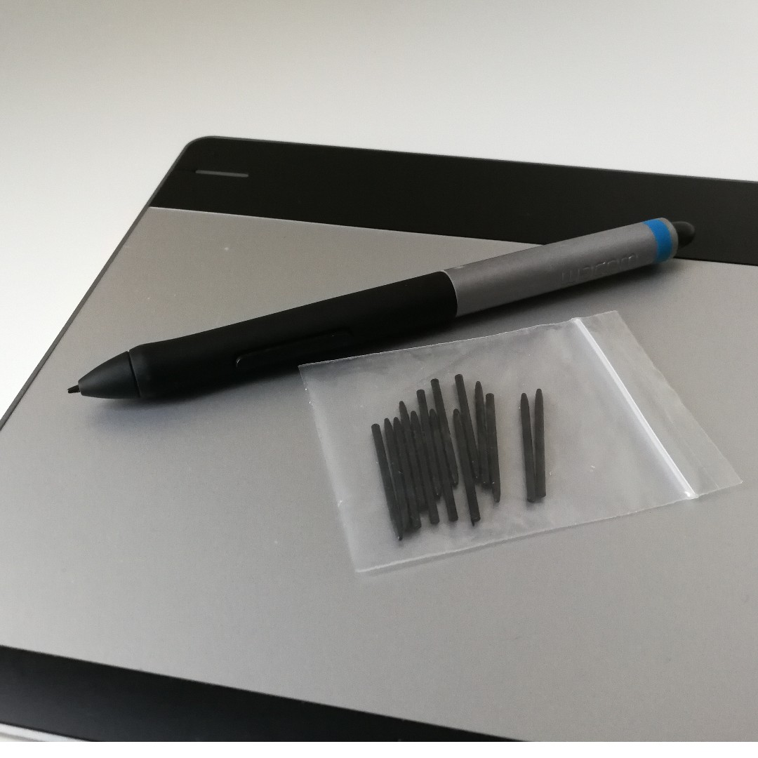 Small Black Mint Condition Latest Collection Of Wacom Intuos Cth480 Creative Pen & Touch Tablet