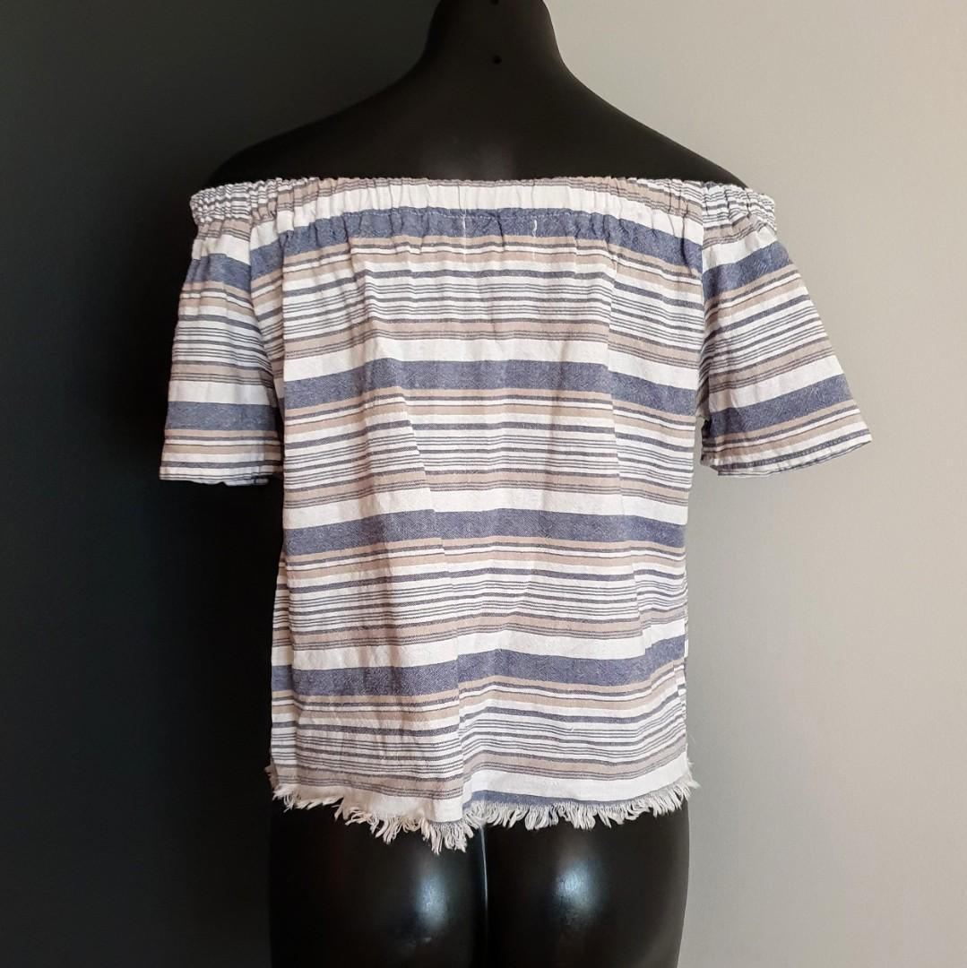 Women's size M 'OSCAR ST' Gorgeous off shoulder burleigh top - BNWT RRP$69