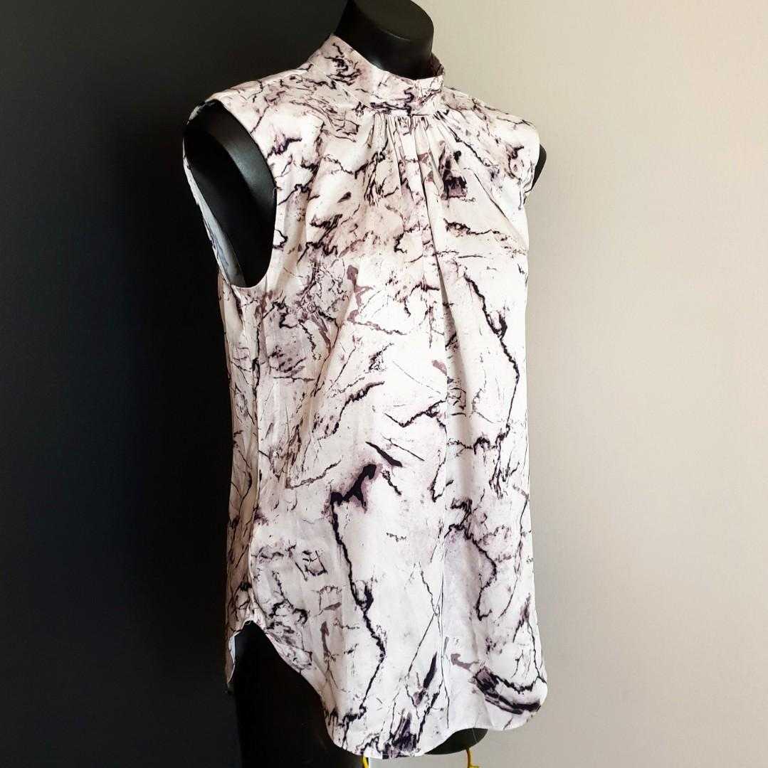 Women's size S (8-10) 'COUNTRY ROAD' Gorgeous marble print sleeveless top-AS NEW