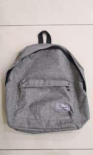 Simple Backpack with 3 zip compartment