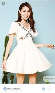 Diamond Mojitto Belle Embroidery white dress