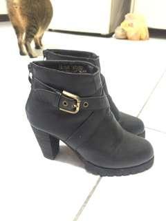 🚚 Homshop 靴子