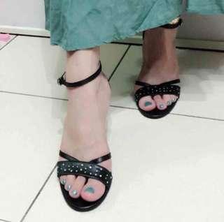 🚚 阿瘦黑色高跟鞋23.0