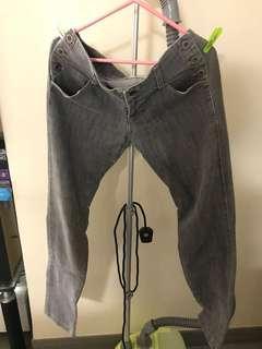 90% new Light Grey Narrow-leg Jeans 九成新淺灰色窄腳牛仔褲