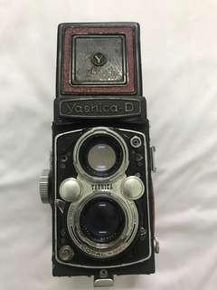 Yashica D - TLR Camera - Lens Yashikor 80mm/f3.5 - Film Camera (preloved)