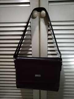 ARROW DOCUMENT IPAD BAG