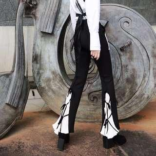 🚚 BN Ladies Black Retro Flared Pleated White Pants with Ribbon