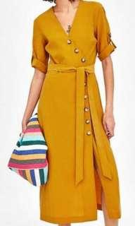 Dress mustard with tag
