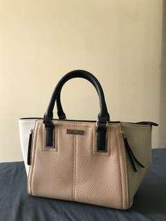 Kenneth Cole REACTION Handbag