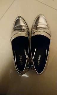 🚚 Nine west的銀色跟鞋
