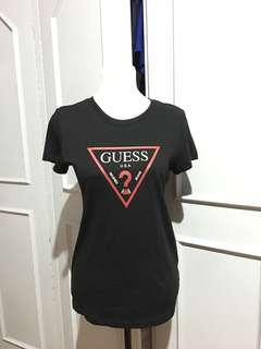 BNWT Guess Top. Tag says S