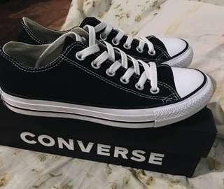 Converse Chuck Taylor Core Low Top Sneakers - Black