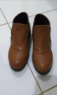 BOOTS AUTHENTIC BROWN COKLAT