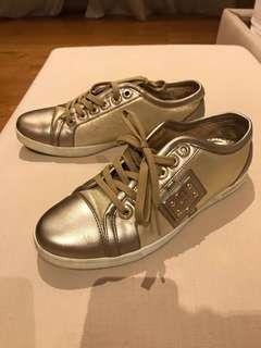 Auth Dolce & Gabbana Classic gold sneaker