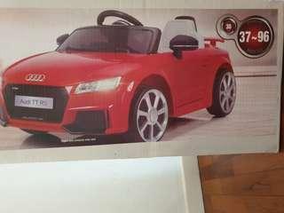 BNIB Audi powered ride on toy car