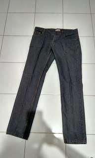 Jeans Pria size 36 Nevada