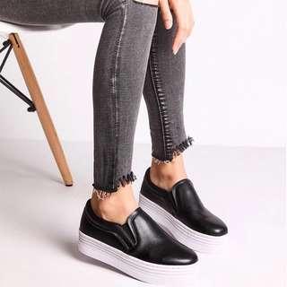 🚚 黑色厚底皮質文青休閒鞋